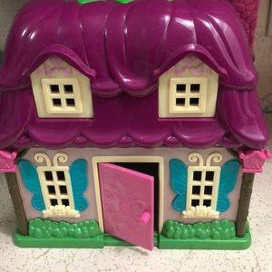 Gently used Lil Woodzeez Country Cottage